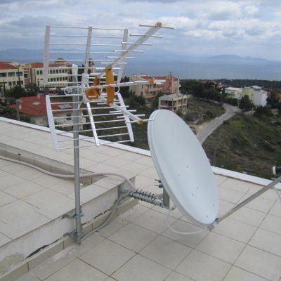 Τοποθέτηση Συστήματος Δορυφορικής και Επίγειας Κεραίας σε Οικία